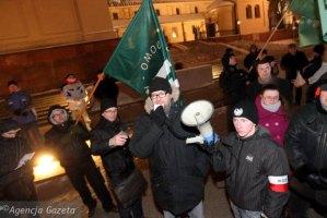 z13048265Q,Marsz-ONR-w-31-rocznice-stanu-wojennego-w-Kielcach