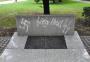Wrocław: Neonaziści zniszczyli pomnik bohaterów GettaWarszawskiego